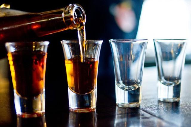 Nghiên cứu mới về rượu bia và bệnh gan: Hai ly mỗi ngày có thể là quá nhiều cho nam giới - Ảnh 1.