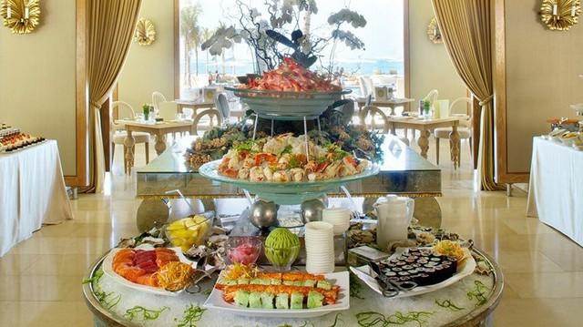 Lý do khách sạn thường phục vụ bữa sáng miễn phí - Ảnh 3.