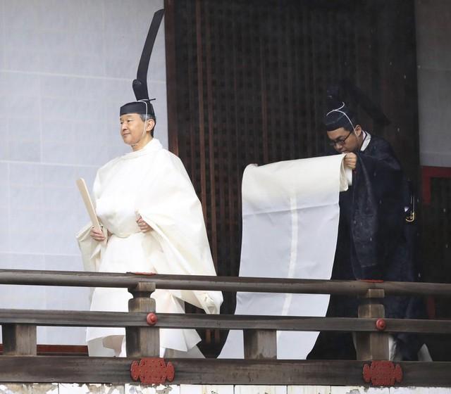 Nhật hoàng Naruhito chính thức đăng quang - Ảnh 6.