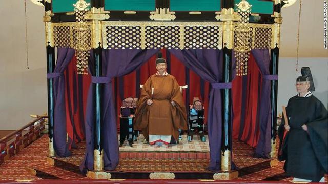 Nhật hoàng Naruhito chính thức đăng quang - Ảnh 7.