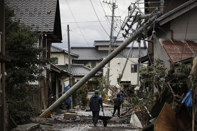 Tin mới nhất về song bão châu Á: 2 cơn bão đánh vào duy nhất quốc gia nào? - Ảnh 2.