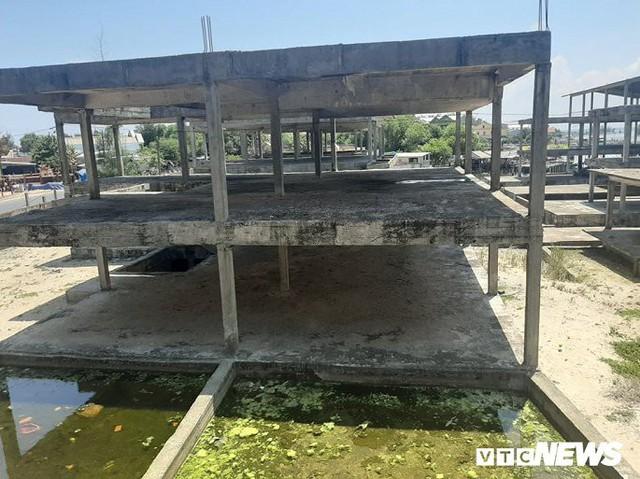 Huế: Cận cảnh resort 600 tỷ đồng bị bỏ hoang trên đất vàng ven biển - Ảnh 3.