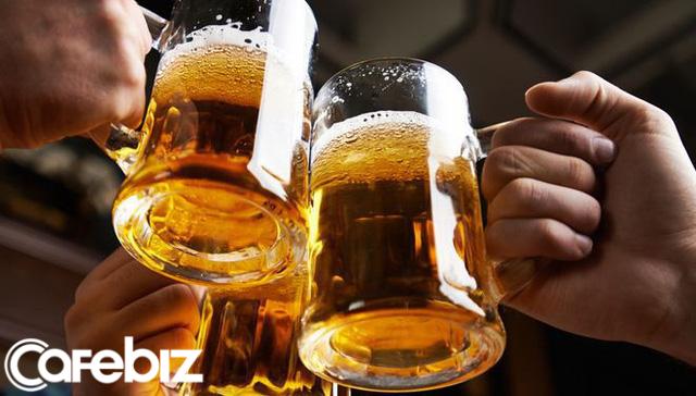 Bí quyết sống lâu độc đáo của cụ bà Mỹ 103 tuổi: Uống bia mỗi ngày - Ảnh 2.