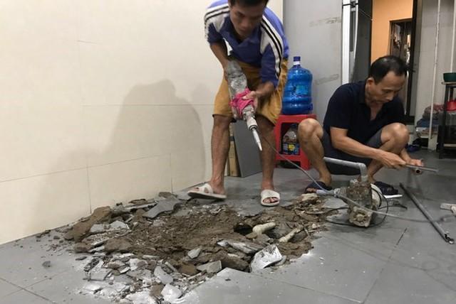 Dân Thủ đô chật vật, tốn tiền triệu thau bể sau sự cố nước sông Đà nhiễm dầu - Ảnh 2.