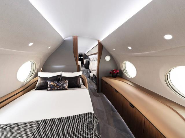 Cận cảnh máy bay cá nhân lớn nhất thế giới giá 75 triệu USD - Ảnh 4.
