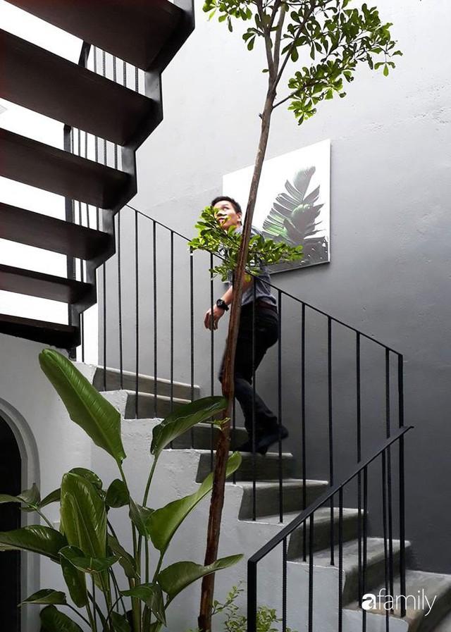 Ngôi nhà phố ngập tràn cây xanh và ánh nắng dù kín cổng cao tường ở Sài Gòn của cặp vợ chồng thành đạt quê gốc miền Trung - Ảnh 19.