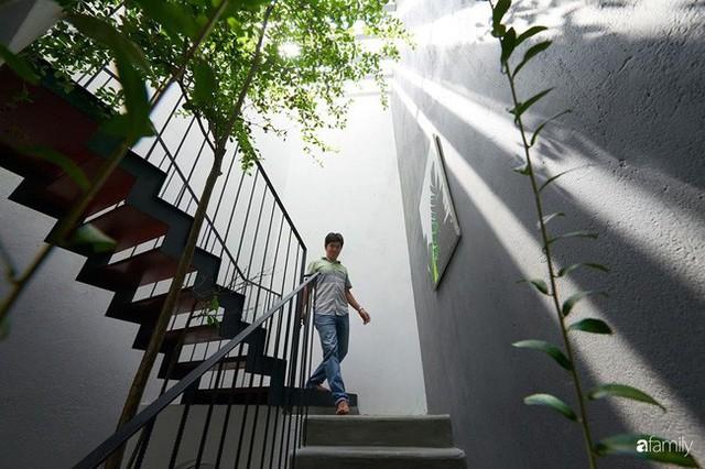 Ngôi nhà phố ngập tràn cây xanh và ánh nắng dù kín cổng cao tường ở Sài Gòn của cặp vợ chồng thành đạt quê gốc miền Trung - Ảnh 24.