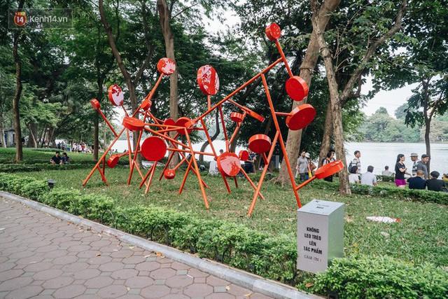 Đáng buồn chuyện người dân đi vệ sinh bên trong tác phẩm nghệ thuật giữa phố đi bộ Hà Nội: Chúng tôi đã rất tâm huyết nhưng bị đối đáp thật thậm tệ - Ảnh 2.