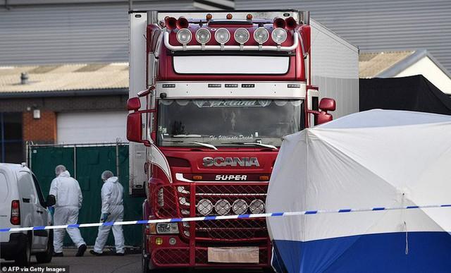Tài xế trong vụ 39 thi thể trong container bị cáo buộc nằm trong đường dây buôn người vào Anh toàn cầu, ra tòa với gương mặt vô cảm - Ảnh 3.