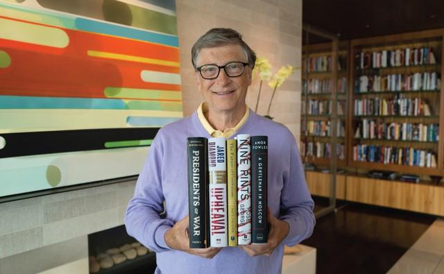 Sinh nhật Bill Gates, cùng nhìn lại tuổi trẻ hết mình của ông: Hack hệ thống để được học lớp có nhiều nữ, bị bắt vì lái xe không giấy phép, hối tiếc nhất là lười học ngoại ngữ - Ảnh 1.