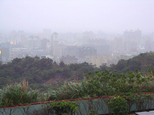 Từng có nồng độ ô nhiễm cao gấp 2 lần mức cho phép, Đài Loan đã trở thành kiểu mẫu về cải thiện môi trường như thế nào? - Ảnh 1.