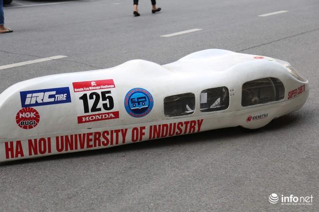 """made in việt nam - photo 10 1570069981563617029843 - Tự hào chiếc xe """"Made in Việt Nam"""", chạy hơn 1.000 km chỉ tốn một lít xăng"""