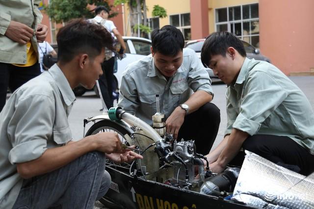 """made in việt nam - photo 9 1570069981561818303459 - Tự hào chiếc xe """"Made in Việt Nam"""", chạy hơn 1.000 km chỉ tốn một lít xăng"""