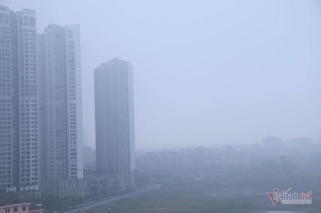Sương mù giăng phủ Hà Nội, cao ốc mất hút - Ảnh 13.
