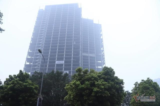 Sương mù giăng phủ Hà Nội, cao ốc mất hút - Ảnh 7.