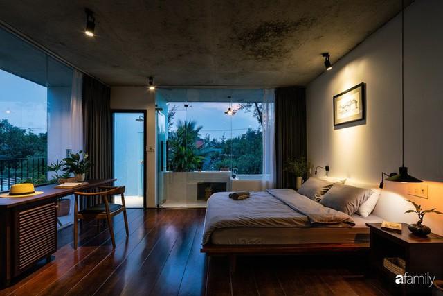 Ngôi nhà cách biển vài bước chân có vẻ đẹp thân thuộc, tạo nên chốn đi về ấm áp cho vợ chồng trẻ ở Quảng Nam - Ảnh 28.