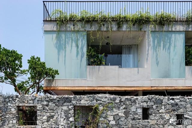 Ngôi nhà cách biển vài bước chân có vẻ đẹp thân thuộc, tạo nên chốn đi về ấm áp cho vợ chồng trẻ ở Quảng Nam - Ảnh 4.