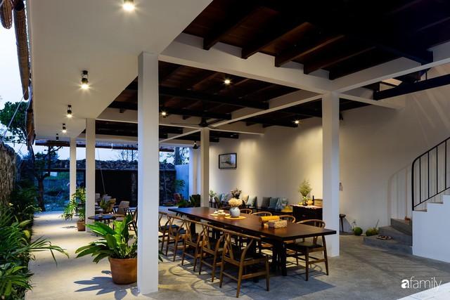 Ngôi nhà cách biển vài bước chân có vẻ đẹp thân thuộc, tạo nên chốn đi về ấm áp cho vợ chồng trẻ ở Quảng Nam - Ảnh 31.