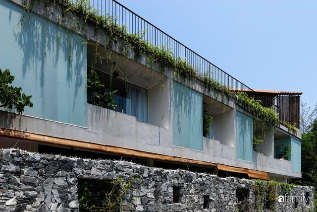 Ngôi nhà cách biển vài bước chân có vẻ đẹp thân thuộc, tạo nên chốn đi về ấm áp cho vợ chồng trẻ ở Quảng Nam - Ảnh 5.