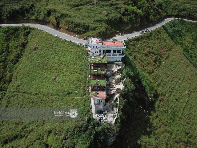 Chùm ảnh: Cận cảnh toà nhà 7 tầng xây dựng trái phép trên đỉnh Mã Pì Lèng - Ảnh 6.