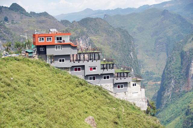 Bà chủ khách sạn trên đèo Mã Pì Lèng: Tôi phải di chuyển khỏi khu vực thì dân ở đây sẽ đói - Ảnh 3.