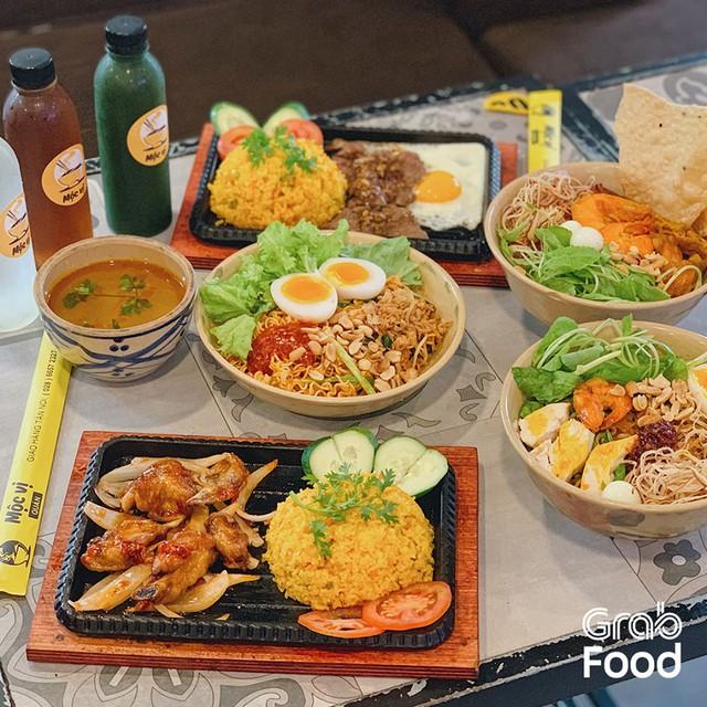 Grab ra mắt GrabKitchen, mô hình bếp tập trung đa thương hiệu kết hợp offline và online đầu tiên tại Việt Nam - Ảnh 2.