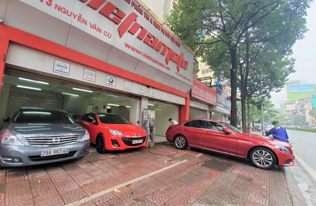 Thượng vàng, hạ cám từ xế sang bạc tỷ đến xe cỏ siêu rẻ tại chợ ô tô lớn nhất Hà Nội - Ảnh 6.