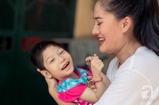 Minh Cúc Về nhà đi con kể về bạn trai từng nghĩ chỉ yêu chơi: Anh ấy muốn làm bố, nhưng tôi không thể sinh con - Ảnh 3.