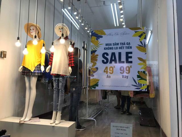 Sự thật về việc giảm giá lên đến 70% tại các cửa hàng thời trang - Ảnh 3.