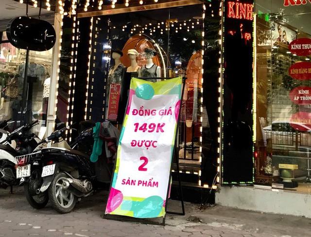 Sự thật về việc giảm giá lên đến 70% tại các cửa hàng thời trang - Ảnh 4.