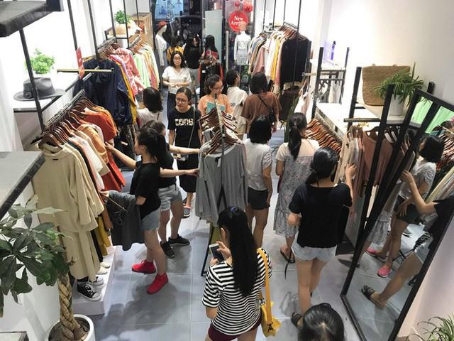 Sự thật về việc giảm giá lên đến 70% tại các cửa hàng thời trang - Ảnh 6.