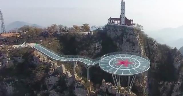 Những cây cầu kính ở Trung Quốc gây choáng váng vì độ hoành tráng, 2 trong số đó từng bị hiểu nhầm là ở... Việt Nam - Ảnh 17.