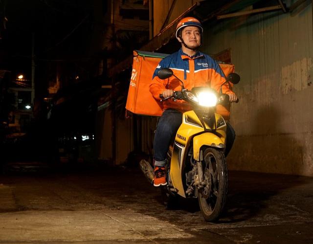 Chịu chơi như Giao Hàng Nhanh: Trở thành đơn vị vận chuyển bóc tem lễ hội mua sắm 11/11 tại Việt Nam, làm việc xuyên màn đêm giao hàng đến khách lúc…2 giờ sáng - Ảnh 3.