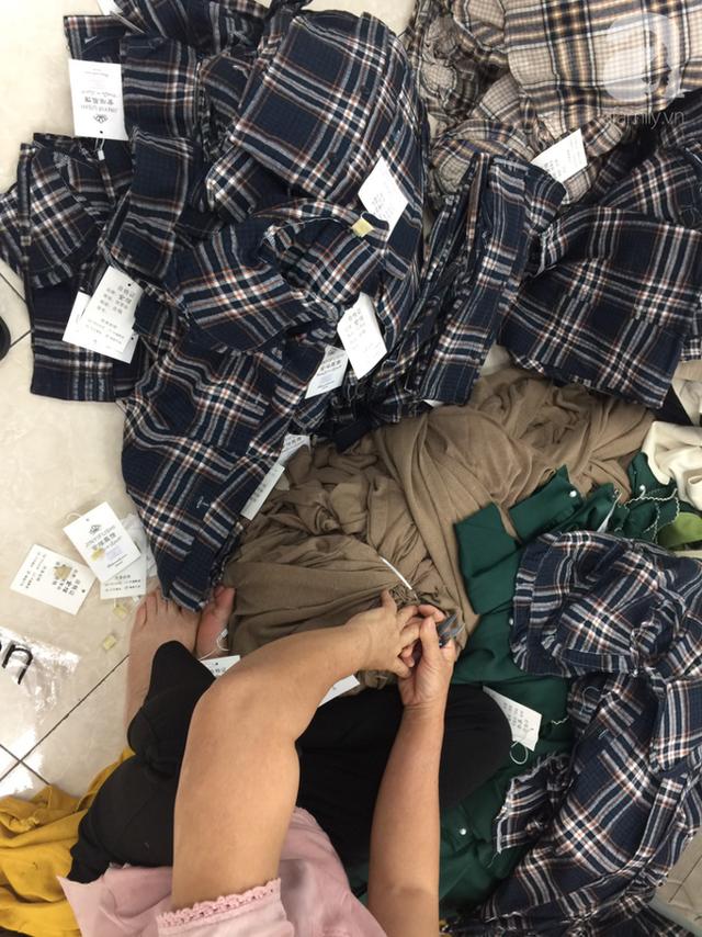 Vụ 4 tấn quần áo nhập lậu được cắt mác, gắn tên thương hiệu NEM, IFU: Chủ lô hàng ngất xỉu, Quản lý thị trường mời nhãn hàng phối hợp làm rõ nguồn gốc - Ảnh 14.