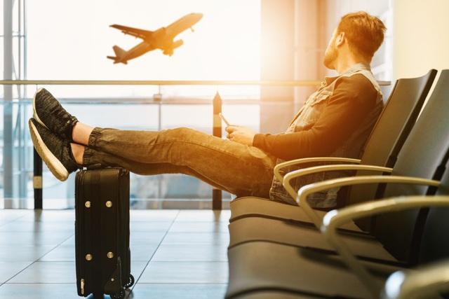 Du lịch nước ngoài tự túc một mình không dành cho những người yếu bóng vía: 3 kỹ năng cần thiết để không lạc trôi nơi xứ người - Ảnh 2.
