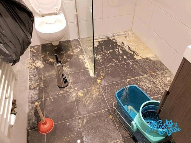 Vào đời với bằng thạc sĩ mà vẫn thất nghiệp, anh chàng đi dọn vệ sinh dạo kiếm 7 tỷ mỗi năm - Ảnh 7.