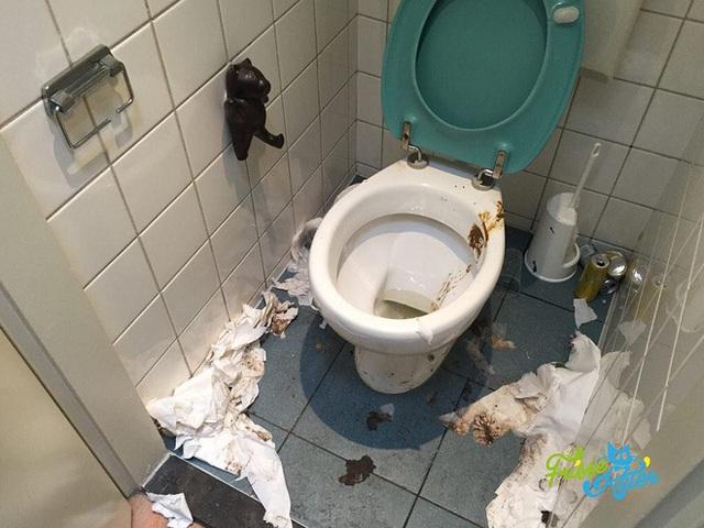 Vào đời với bằng thạc sĩ mà vẫn thất nghiệp, anh chàng đi dọn vệ sinh dạo kiếm 7 tỷ mỗi năm - Ảnh 9.