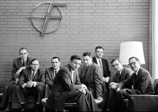 CEO thiên tài đạt giải Nobel nhưng không biết dùng người tài, khiến hàng loạt nhân viên bỏ việc: Kết cục là thiên tài chết trong cô đơn, 8 kẻ phản bội thành công rực rỡ! - Ảnh 3.