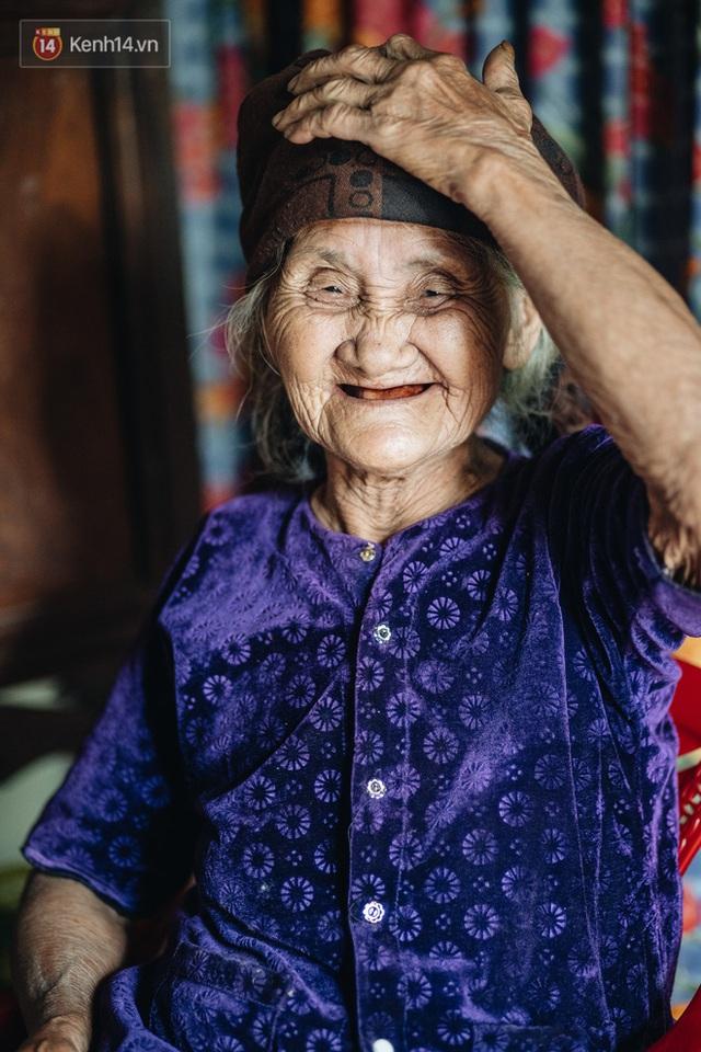 Cuộc sống lạc quan, tự tại của cụ bà đạp xe lên ủy ban xã xin ra khỏi hộ nghèo: 11 đứa con mà tui chưa phải phiền đến đứa mô - Ảnh 17.