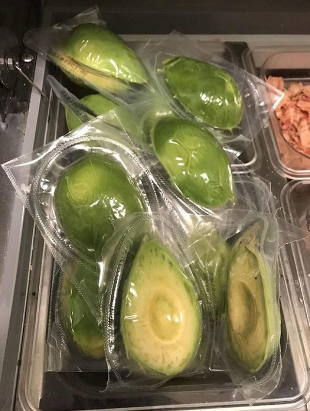 Những kiểu đóng gói thực phẩm khó hiểu trong siêu thị nước ngoài khiến bạn tự hỏi liệu có đang đi lạc sang hành tinh khác? - Ảnh 5.