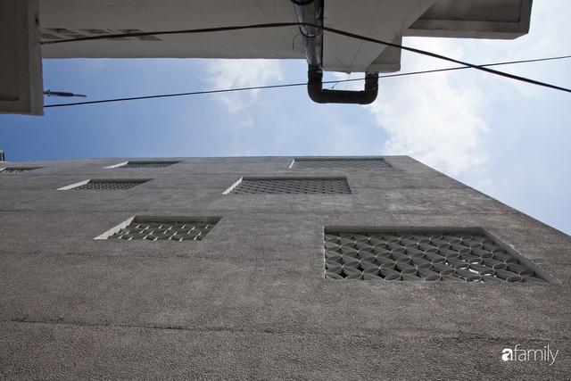 Ngôi nhà hai mặt giáp hẻm ở quận 1, TP. HCM vẫn riêng tư và mặt tiền thì chất khỏi bàn - Ảnh 9.