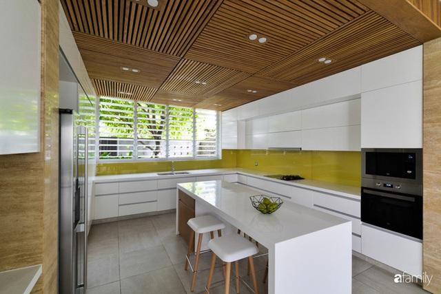 Resort thu nhỏ trong ngôi nhà phố 3 tầng với góc nào cũng có ánh sáng và cây xanh ở TP. HCM - Ảnh 12.