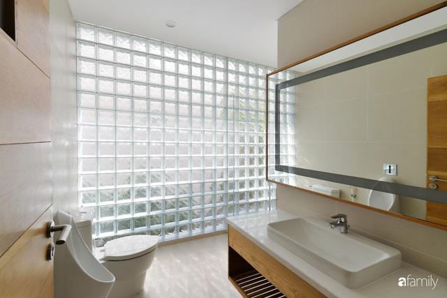 Resort thu nhỏ trong ngôi nhà phố 3 tầng với góc nào cũng có ánh sáng và cây xanh ở TP. HCM - Ảnh 22.