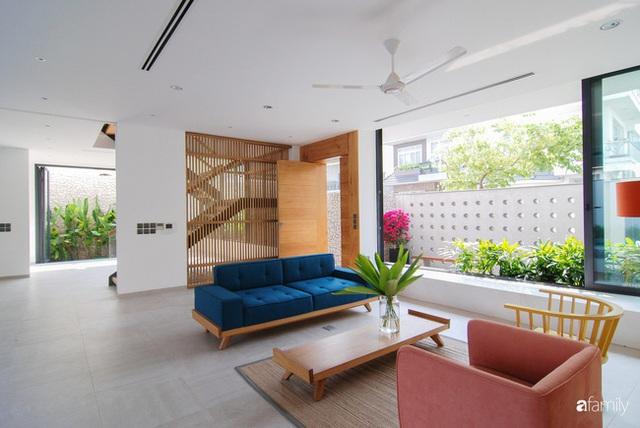 Resort thu nhỏ trong ngôi nhà phố 3 tầng với góc nào cũng có ánh sáng và cây xanh ở TP. HCM - Ảnh 9.