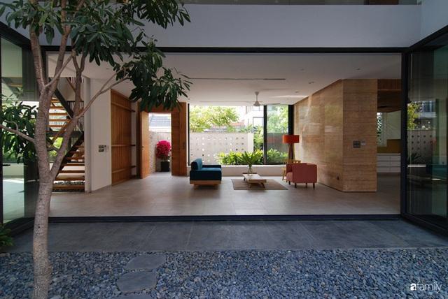 Resort thu nhỏ trong ngôi nhà phố 3 tầng với góc nào cũng có ánh sáng và cây xanh ở TP. HCM - Ảnh 10.