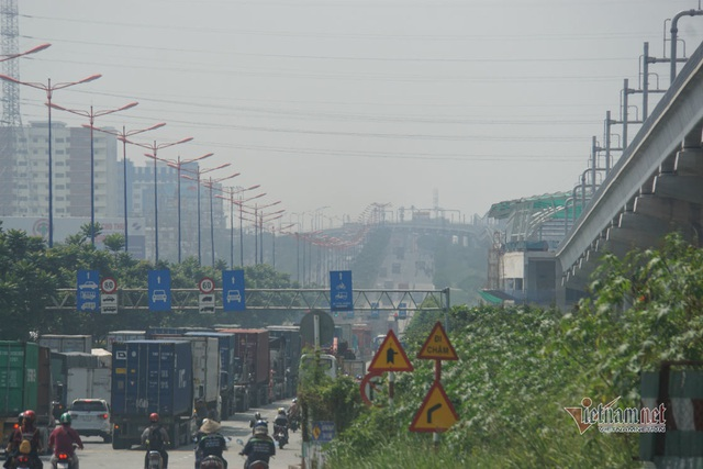 Mù kín đặc vây Sài Gòn, cảnh báo ô nhiễm ở mức nguy hiểm - Ảnh 14.