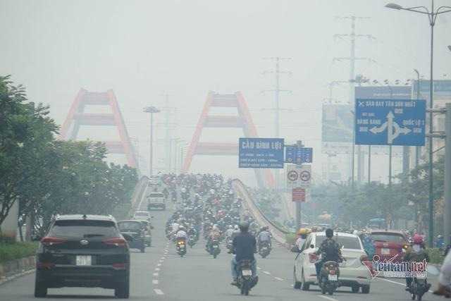 Mù kín đặc vây Sài Gòn, cảnh báo ô nhiễm ở mức nguy hiểm - Ảnh 5.