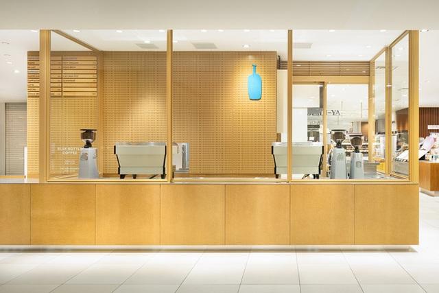 """blue chai coffee - photo 5 15737138989041578027129 - Quán cà phê """"siêu nhỏ"""" của Nhật vừa lên báo Mỹ có gì hay?"""