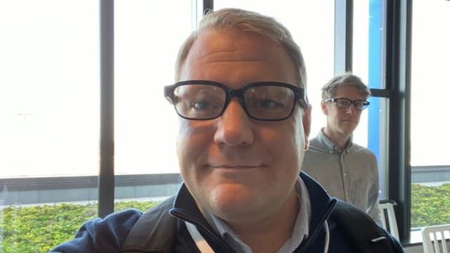 """microsoft, snap, facebook, google, apple, amazon - photo 6 15736956838181815121571 - Microsoft, Snap, Facebook, Google, Apple, Amazon và cuộc đua tới """"thứ có thể thay thế smartphone"""": Chiếc kính"""