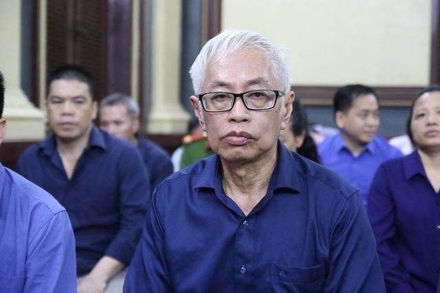 Truy tố nguyên Tổng giám đốc DongABank Trần Phương Bình gây thiệt hại gần 10.000 tỷ đồng - Ảnh 1.